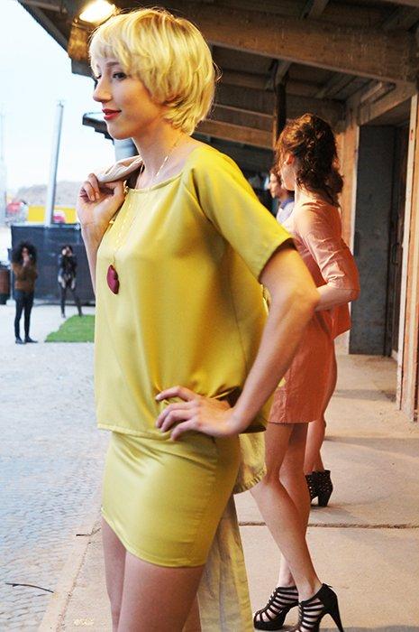 SOFA Modelreihe gelb